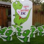 Dinosaur Lawn Sign with Baby Dinosaurs Lawn Ornaments