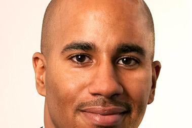 Team-1-_0000_Derrick-Lewis-Headshot