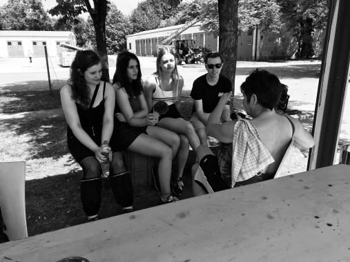 Interview mit einer Bewohnerin der Obdachlosenunterkunft in der Bayernkaserne (Bild: Christina Pütz)