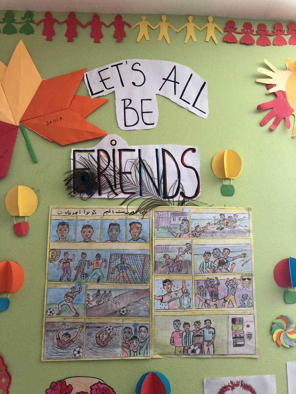 In einem Raum extra für kleine Kinder wird viel gemalt, gespielt und auch gelernt