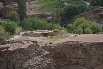 Pamir Highway: Shokh Dara valley/ La route de Pamir: la vallée Shokh Dara