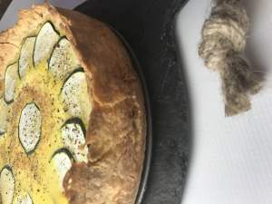 Check out this crust! This Roasted Silver Queen Corn, Zucchini, and Goat Cheese Summer Quiche is easy to prepare, and fabulous for weekend brunch. It also makes a great portable lunch for the work week! Vegetarian | Vegan | Brunch | Easy Quiche | Summer Quiche