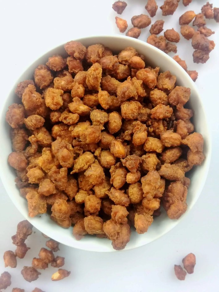 These sweet and spicy coated groundnuts are mildly spiced, sweet and crunchy.