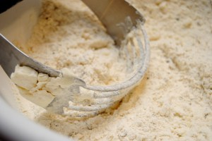 Garlic cheddar biscuits2