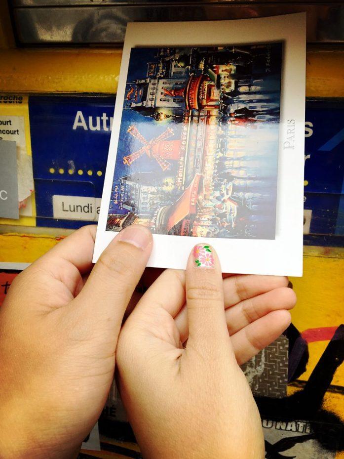 从超市出来的时候,看见了邮箱,顺手把 postcard 投了进去。纪念这一天我们来到了蒙马特。