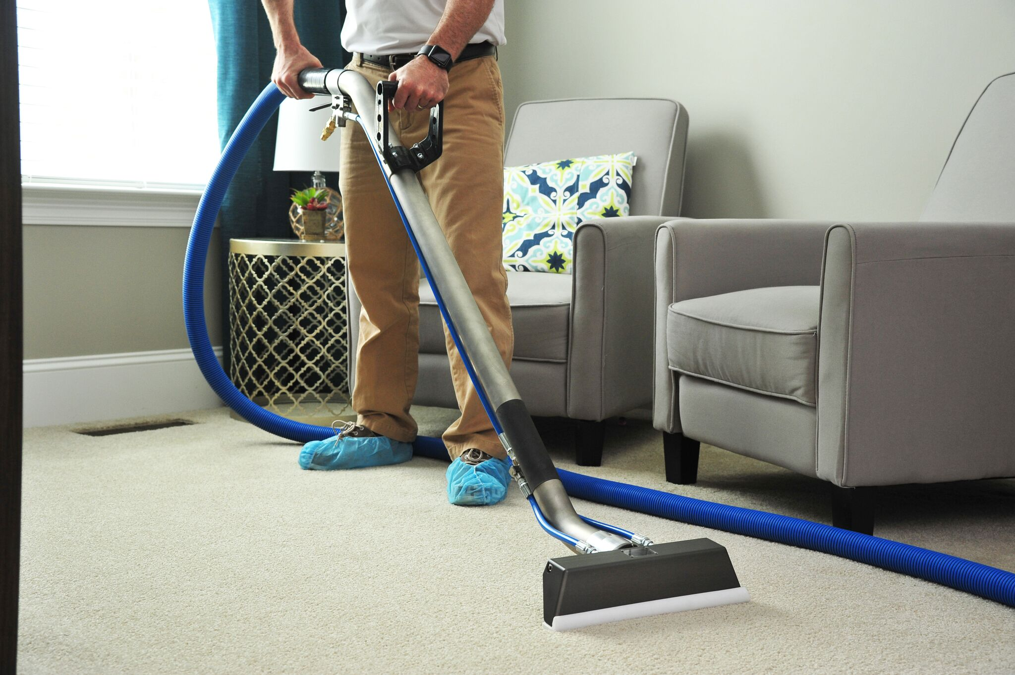 Should You Rent A Steamer Or Hire A Professional Carpet Cleaner