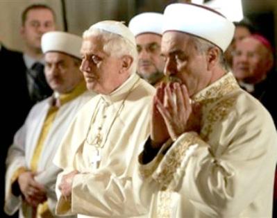benedict prays mecca
