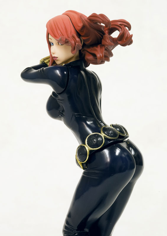 marvel-comics-black-widow-bishoujo-statue-6