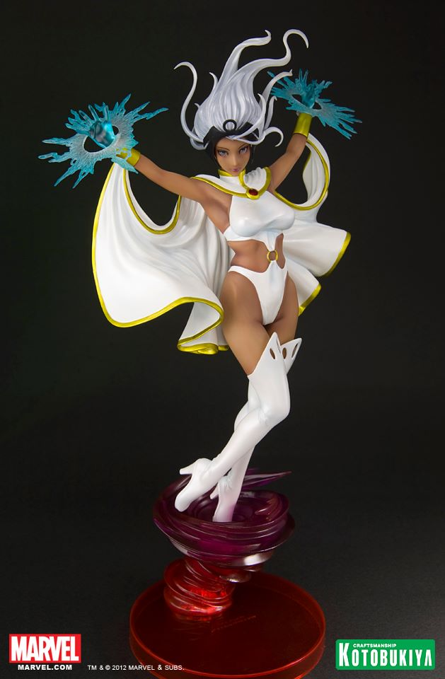 marvel-comics-storm-bishoujo-white-costume-sdcc-2012-exclusive-2