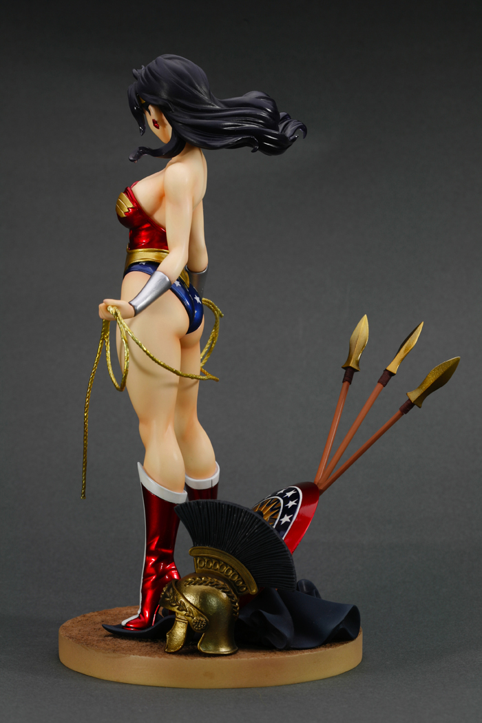 dc-comics-wonder-woman-bishoujo-statue-12