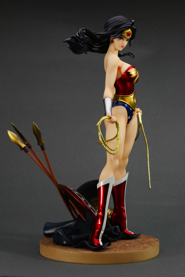 dc-comics-wonder-woman-bishoujo-statue-8