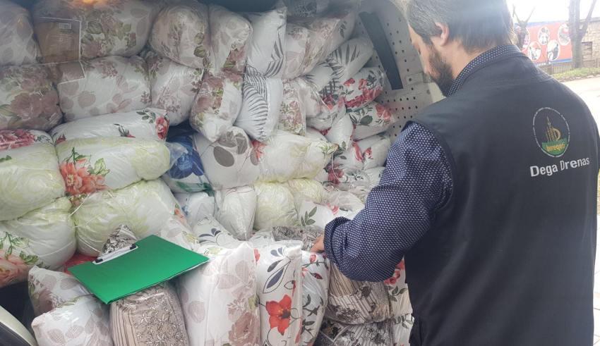 """""""Bereqeti"""" në Drenas ndihmon familjet me jorganë, jastëk dhe batanije"""