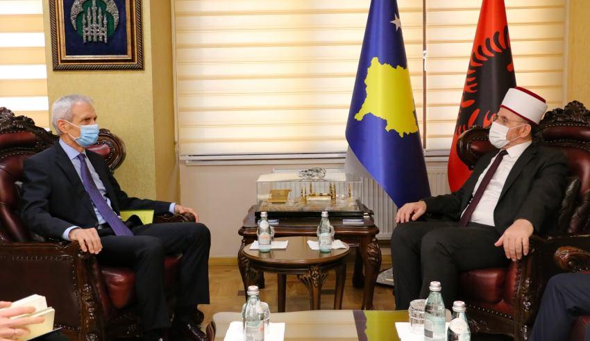 Myftiu Tërnava priti në takim ambasadorin e Zvicrës në Kosovë, z. Thomas Kolly