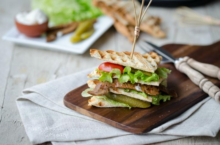 waffling-club-sandwich-vegan
