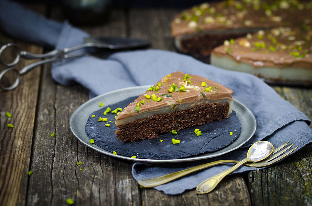 Vegane Birnen-Schokomousse-Torte