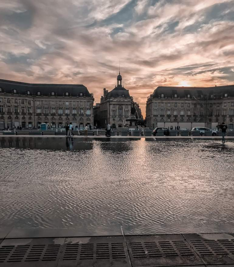 Mirror d'eau at sunset- How to spend a weekend in bordeaux