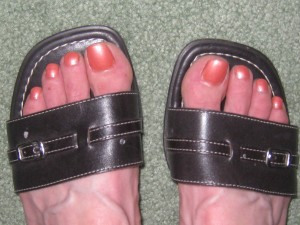 Results from my olive oil pedicure....yeah, pretty toes again!