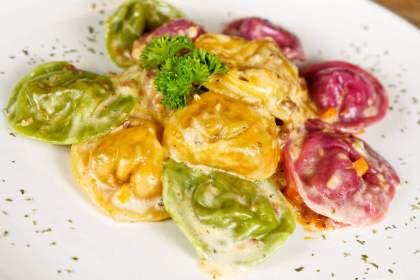 Tricolor Tortellini