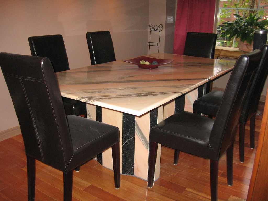 ITALIAN MARBLE DINING ROOM TABLE. DINING ROOM TABLE