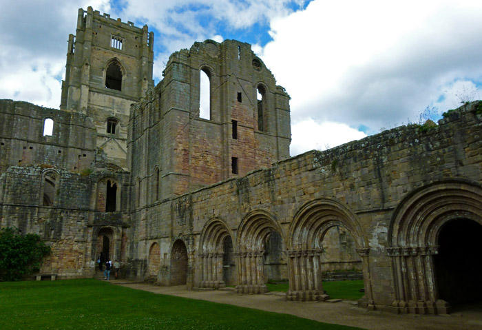 Fountains Abbey, cloister