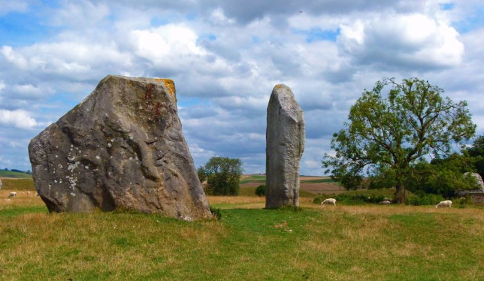 Avebury, the cove