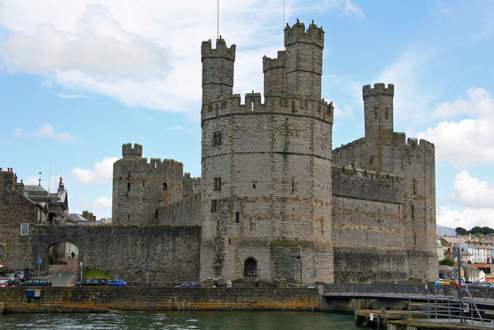 Caernarvon Castle, Wales, Welsh independence