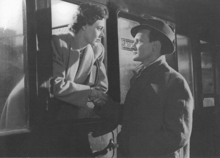 Celia Johnson (1908-1982) and Trevor Howard (1913-1988) star in David Lean's 1945 classic, 'Brief Encounter'.