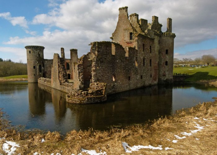 Caerlaverock, Dumfries, Scottish castles