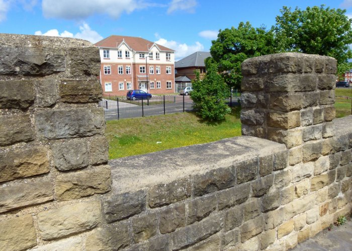 Reconstructed wall, Hardian's wall, Wallsend