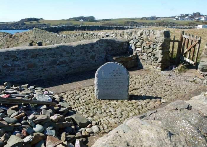 Isle of Whithorn, witness cairn