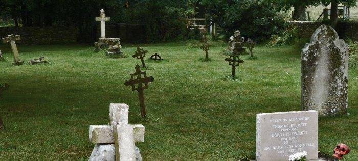 Halloween, churchyard