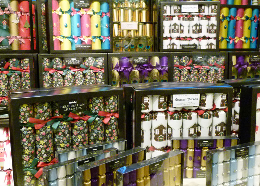 The custom and origins of Christmas crackers - A Bit About ...