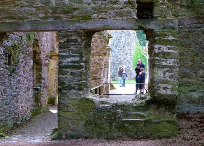 Berry Pomeroy Castle, lost in, ruin, haunted