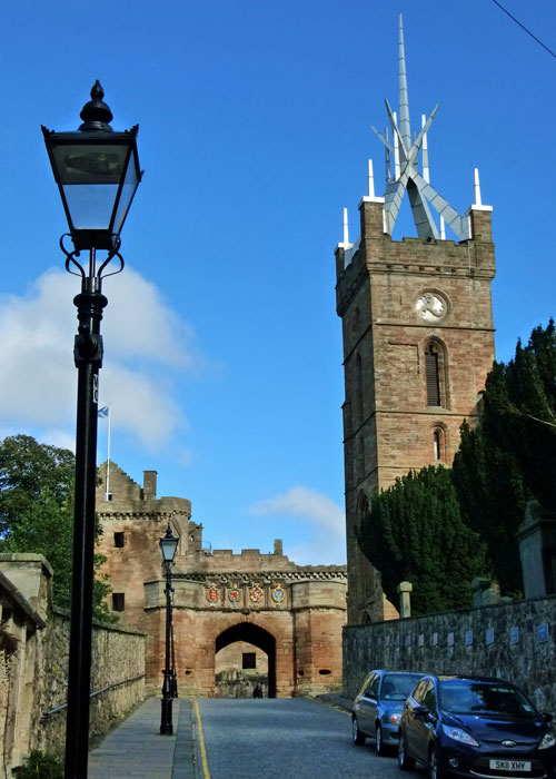 Linlithgow, Kirkgate, gateway, Palace, St Michaels, church