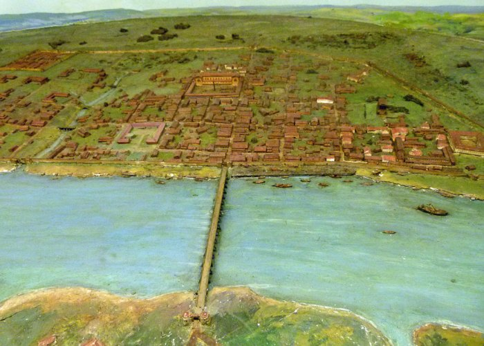 Roman London, map, amphitheatre