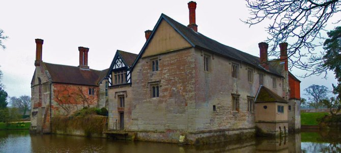 Baddesley Clinton – medieval manor, murder, mayhem and mellowness