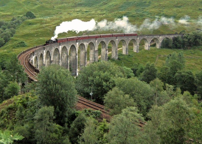 Jacobite, steam train, Glenfinnan Viaduct