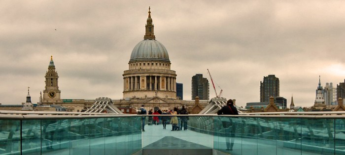 Christopher Wren, St Pauls, view, Millennium Bridge