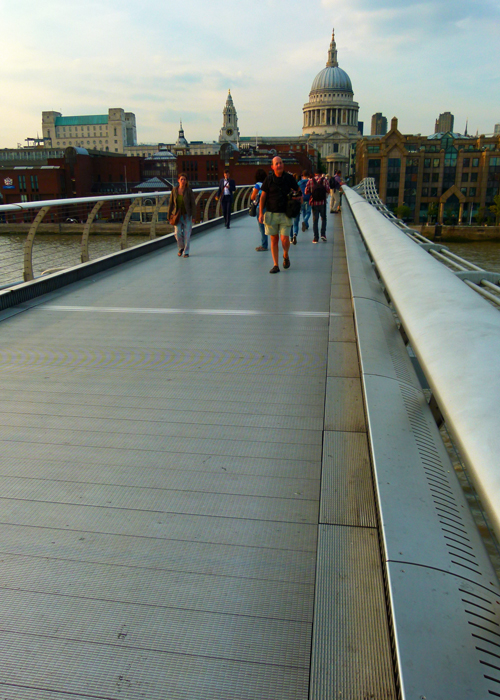 St Paul's, London, Millennium Suspension Bridge