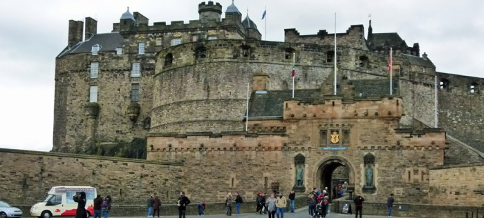 Edinburgh Castle, Esplanade, castle hill