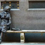 Eleanor Rigby, statue by Tommy Steele , Liverpool