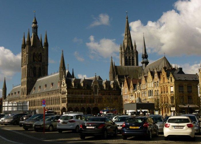 Grote Markt, Ypres, Cloth Hall