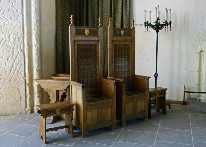 Stirling Castle, Great Hall, thrones