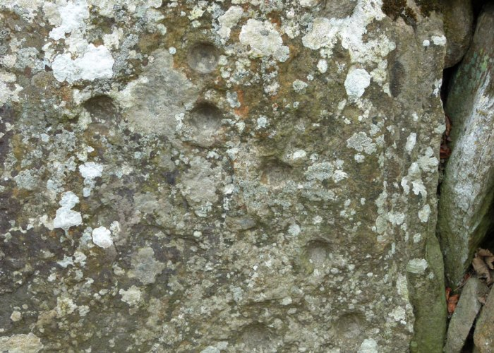 Cup marks, Clava Cairns
