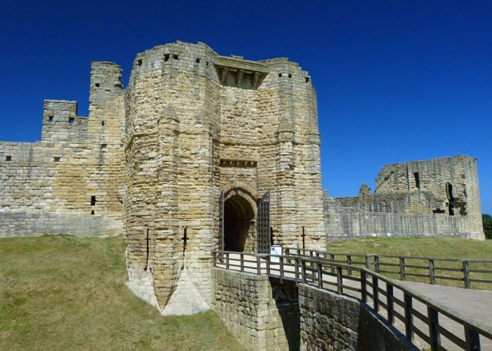 Warkworth Castle, visit Northumbria, Gatehouse