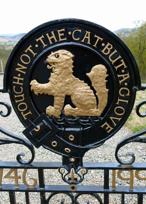 Macpherson, clan motto, memorial