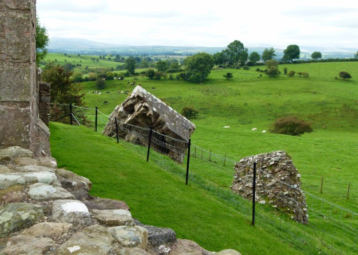 Fallen masonry, Brough Castle