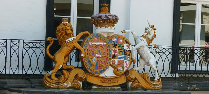 he Royal Coat of Arms
