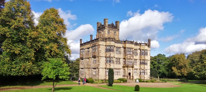 What does Gawthorpe Hall remind you of?