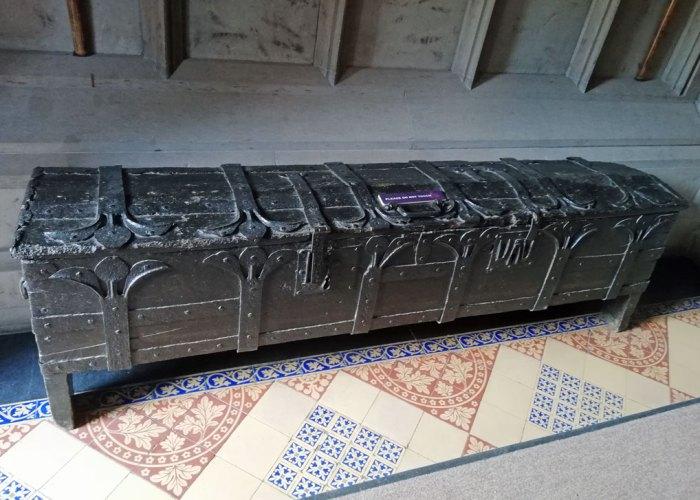 Sword chest at Gawthorpe_Hall